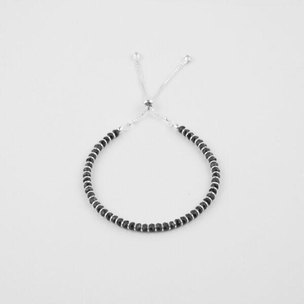 Ladies black beads adjustable bracelet in 925 silver