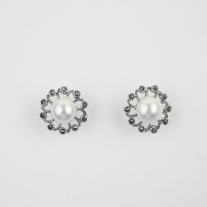pearls studs in silver